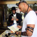 Lubavitcher-Jews-Shabbat-Tefillin