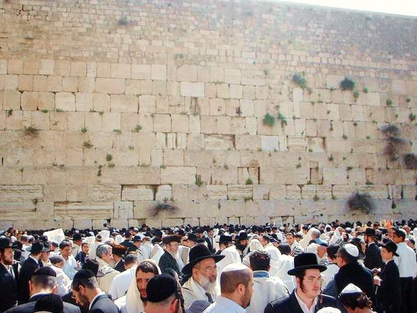 Western Wall-Birkat Kohanim-Priestly Blessing-tradition-Kohanim-Kotel-Temple Mount.
