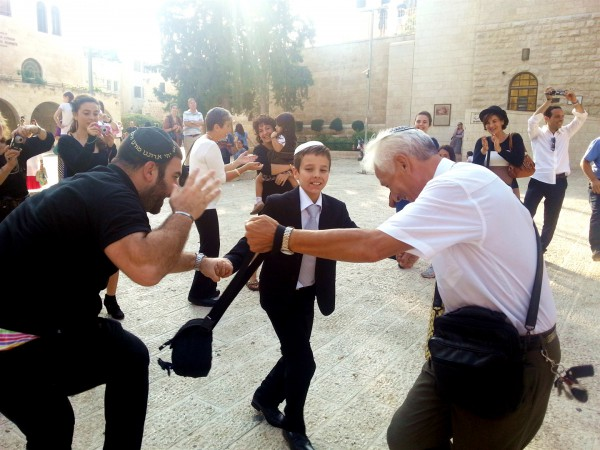 bar-mitzvah-boy-dance-Jerusalem
