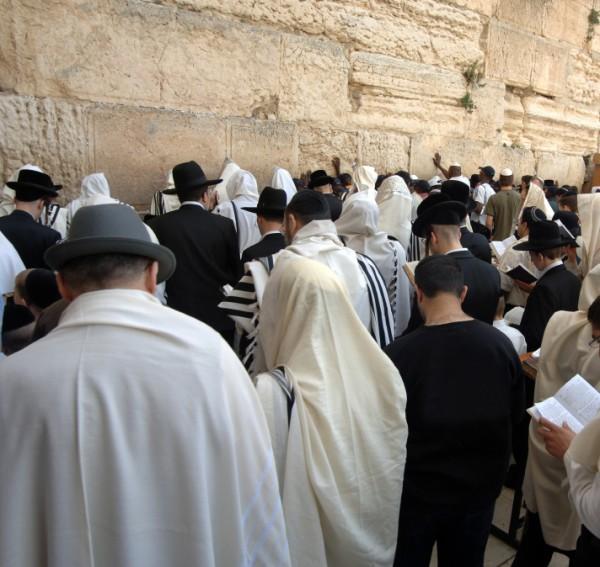 Jewish men-praying-Kotel-Western (Wailing) Wall-melakhah-Shabbat