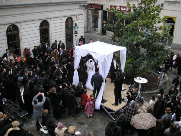 Jewish Couple-Marriage-Chuppah-Mount Sinai-Wedding-Vienna