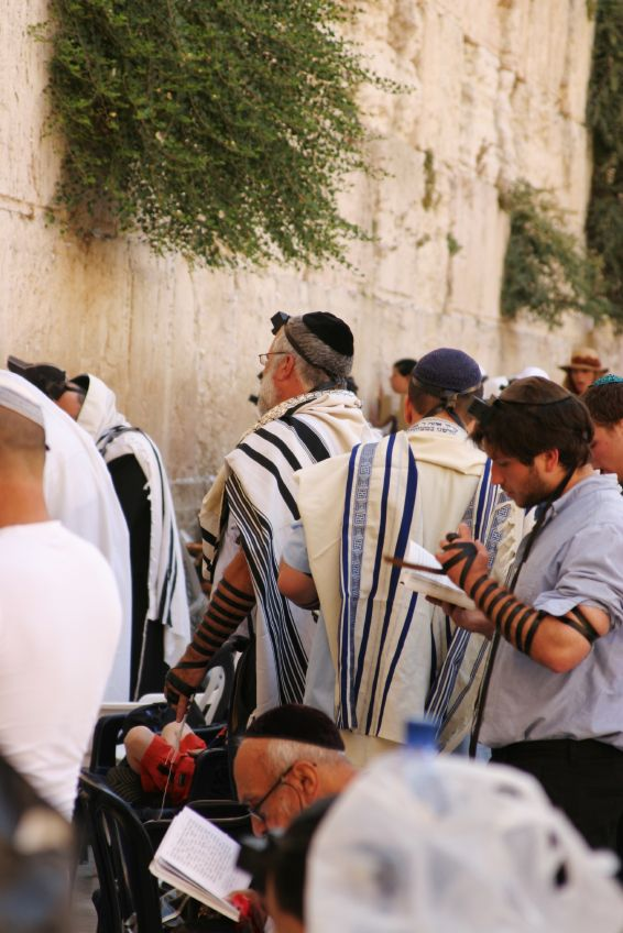 Jewish men-praying-Kotel-Wailing Wall