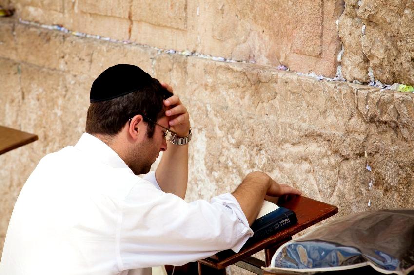 Praying-Western Wall-Jerusalem.