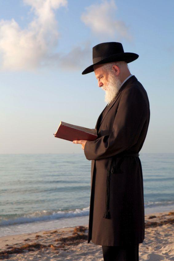 Tashlich-Rabbi