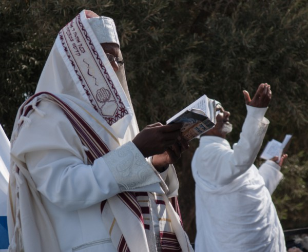 Ethiopian-Jews-Praying