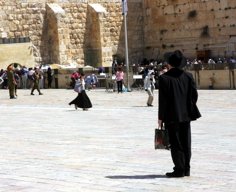 Orthodox-Jewish man-Western Wall-Plaza