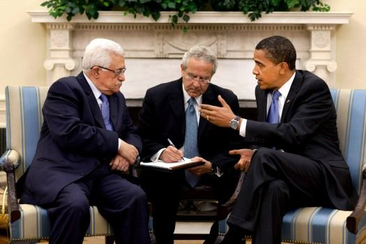 Barack_Obama_meets_with_Mahmoud_Abbas_in_the_Oval_Office