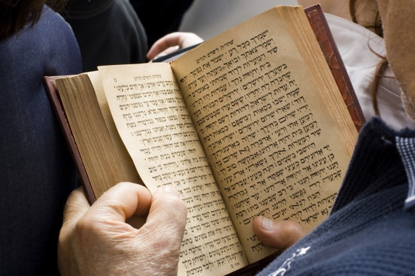 Man_with_Bible