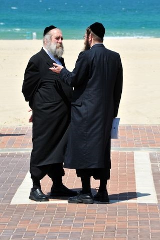 Ultra-Orthodox-sea-conversation