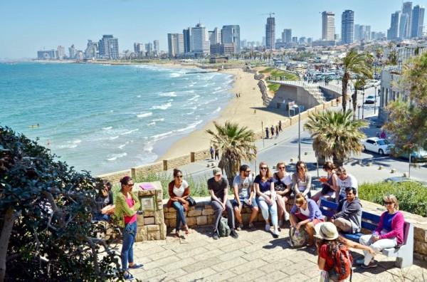 Tel Aviv beach-tourists