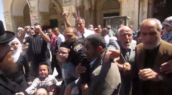 Temple Mount-assault-children-capture