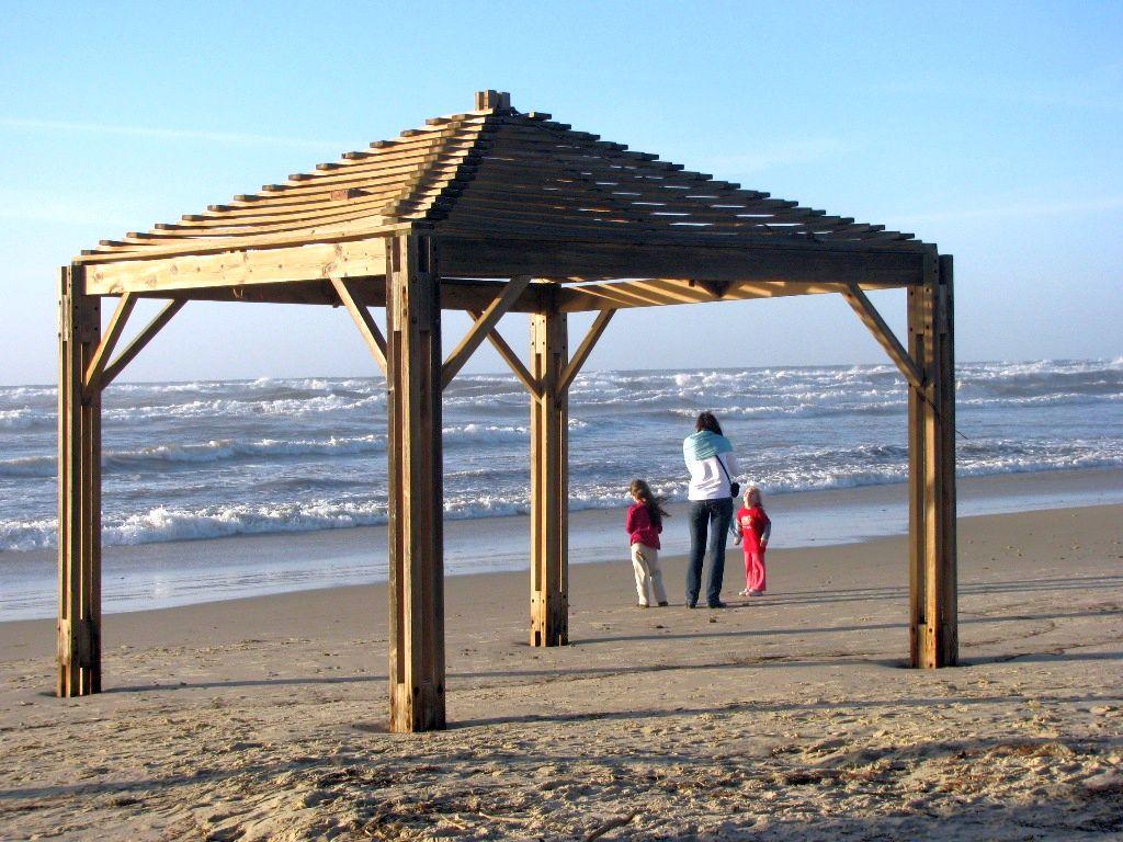 Israeli mother-Beach-Poleg