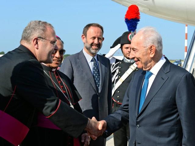 President-Peres-in-Rome