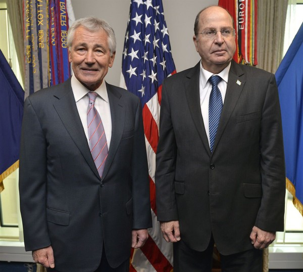 U.S._Secretary_of_Defense_Chuck_Hagel,_lIsraeli_Minister_of_Defense_Moshe_Ya'alon_Arlington