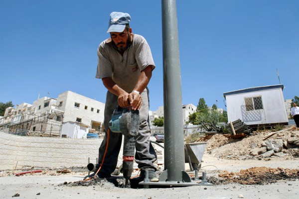 Arab-worker-construction-labor-Israel-Jerusalem