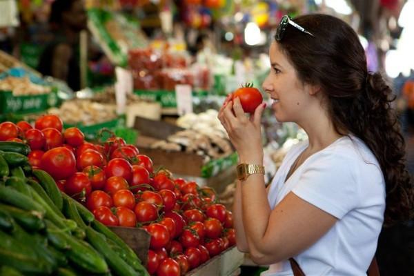 Fresh tomatoes Carmel Market Tel Aviv