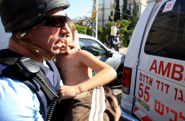 An injured Israeli child