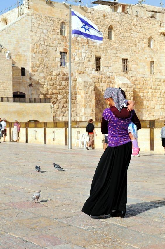 Jewish mother-child-Jerusalem-Promenade-Kotel