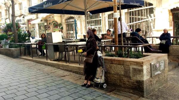 Israel-street-poverty-elderly