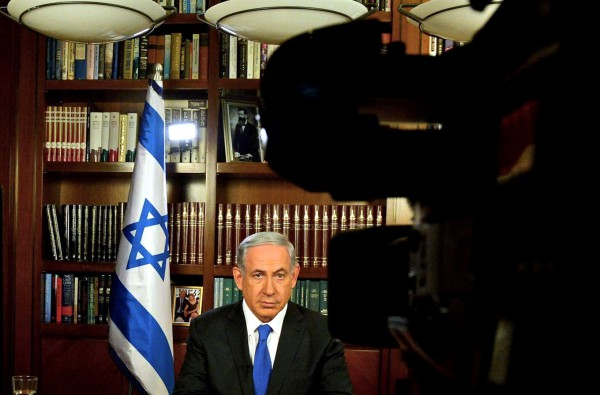 Israeli Prime Minister Benjamin Netanyahu is interviewed by the American press.  (GPO photo by Haim Zach)