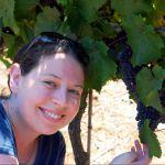 Woman in an Israeli vineyard (photo by Eli Brody)