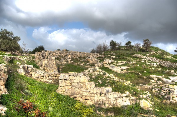 In 30 BC, Augustus awarded Shomron (Samaria) to Herod the Great who renamed it Sebaste.