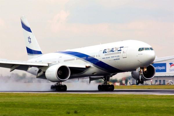 El Al-plane-Prague
