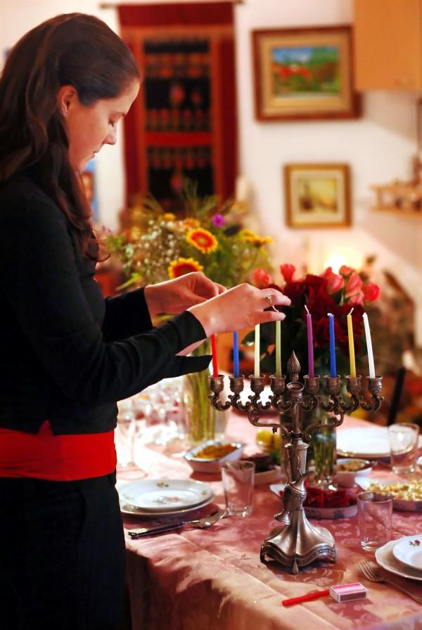 Chanukah-menorah-candles-lights