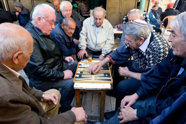 Israel-seniors-elderly-Aliyah-backgammon