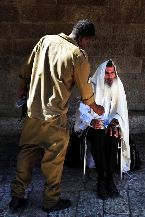 tzedakah-Israel-elder-chesed