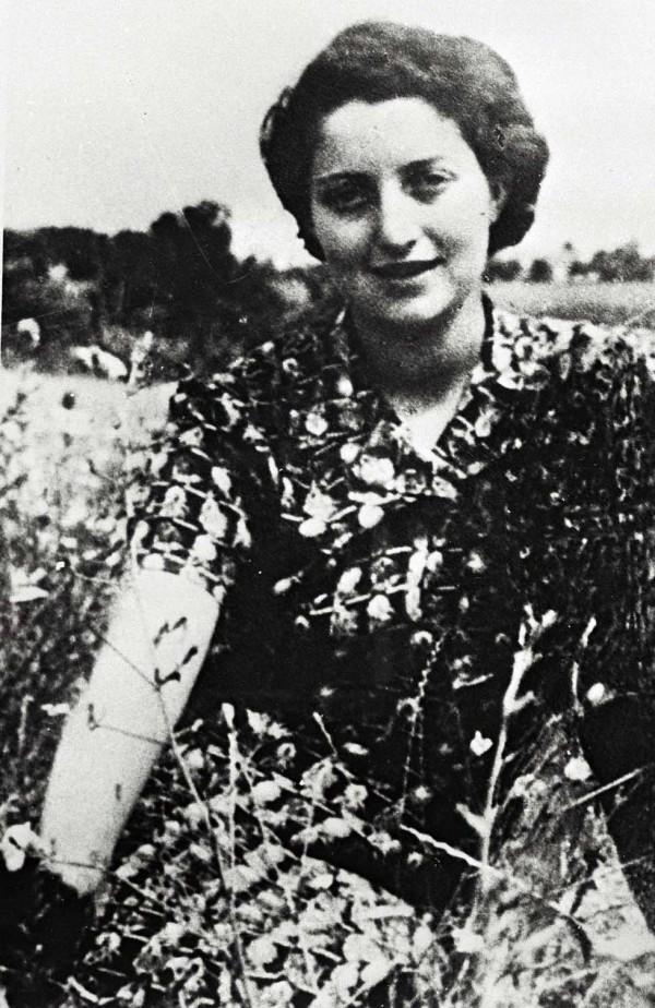 Hannah Szenes at Kibbutz Sdot Yam, 1942
