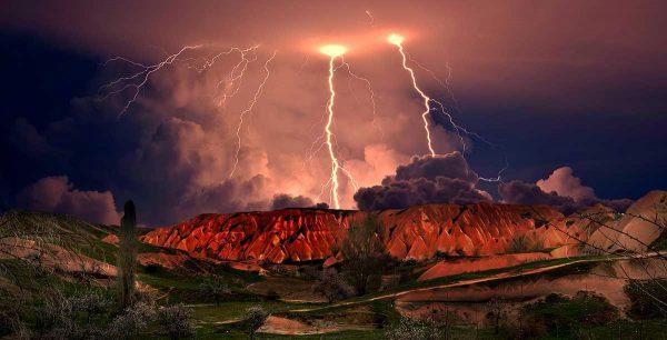 Lightning, mountains, desert
